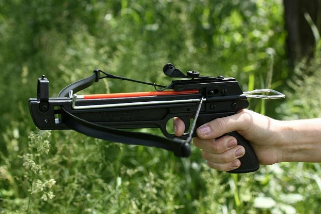Арбалет-пистолет.