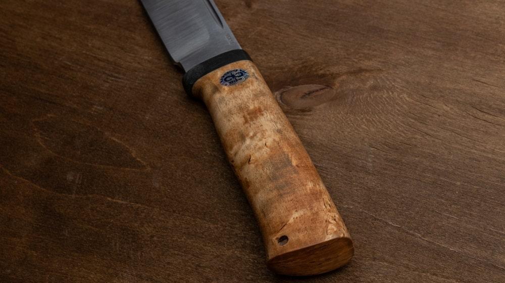 Фото охотничьего ножа «Таёжный» монтаж и материал рукояти